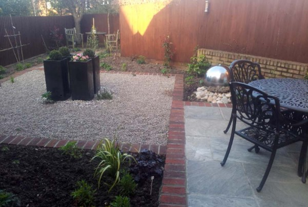 Paving, Planting & Water Feature. Tring (2)